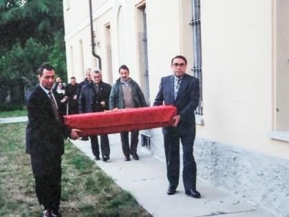 <B>Dopo il rogo del 1997 il Telo fu nascosto per un anno in un convento. </B>